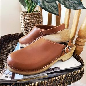Vintage wooden heeled clogs
